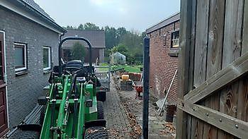 leveren en zetten hout/beton schutting - Kamperman Grondwerk Groningen Scheemda