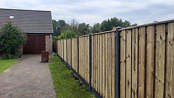 leveren en zetten hout/beton schutting Kamperman Grondwerk Groningen Scheemda